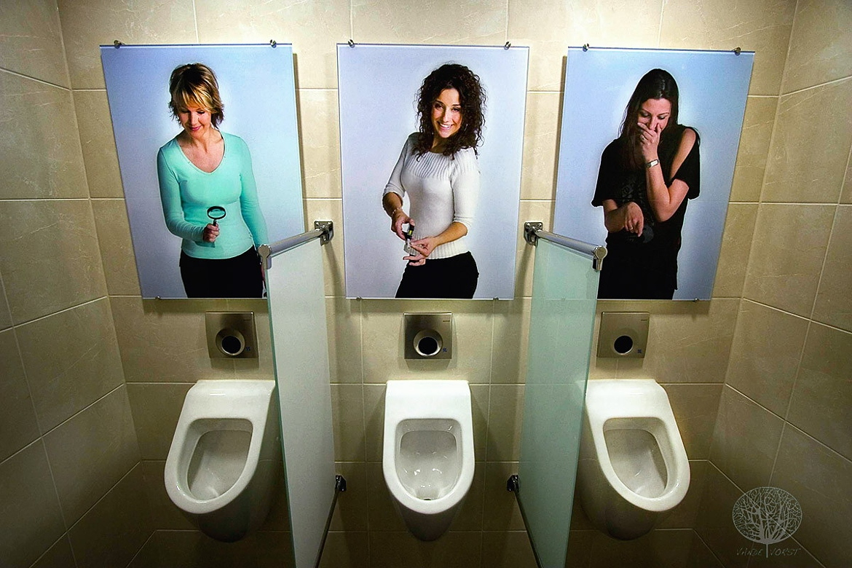 Секс через стену фото фото, Порно через дырку в стене. Фото в туалете 2 фотография